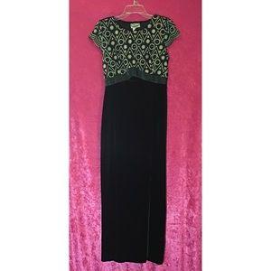 Dresses & Skirts - Green Velvet Holiday Evening Dress